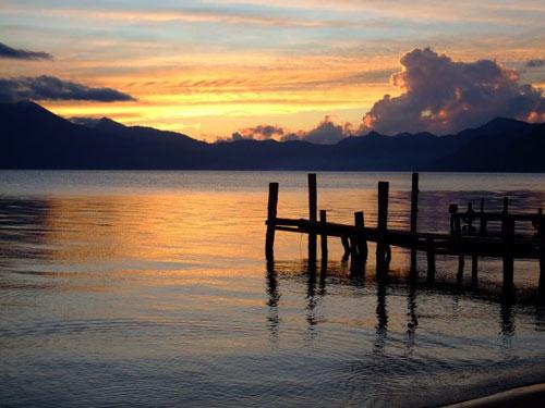 menaka-guatemala-sun-set