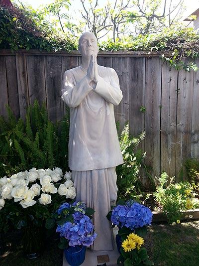 14-narada-statue