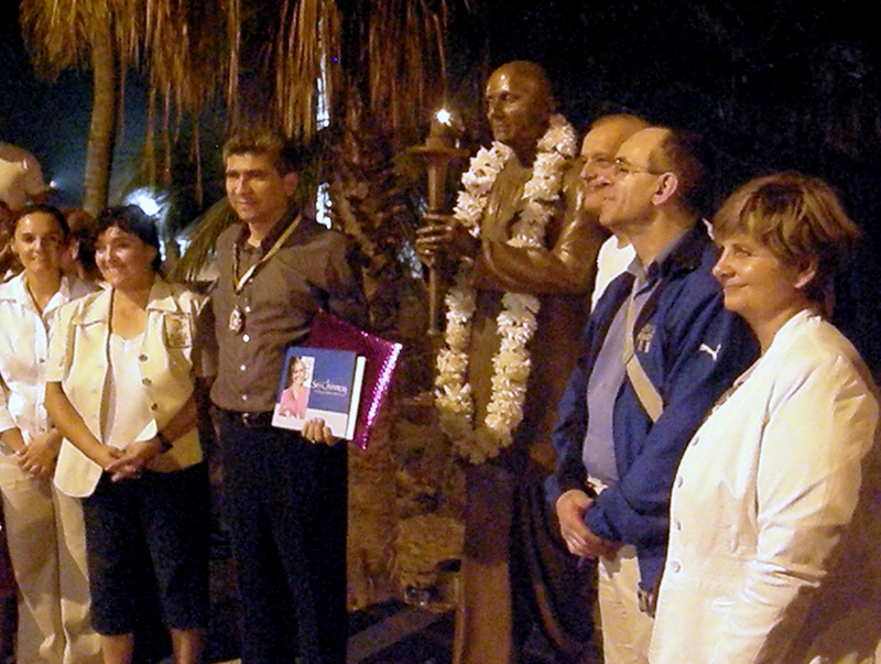 Mayor of Mazatlan Receives Torchbearer Award