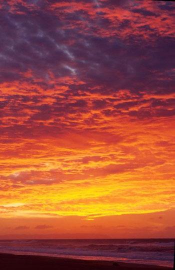 SUNSET-OVER-NIIHAU