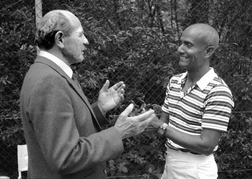 Sri Chinmoy meeting Emil Zatopek