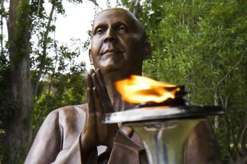 canberra-statue-closeup