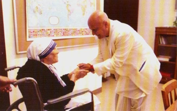mother-teresa-sri-chinmoy