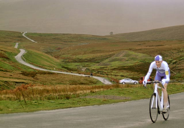 Tejvan wins UK national cycling title
