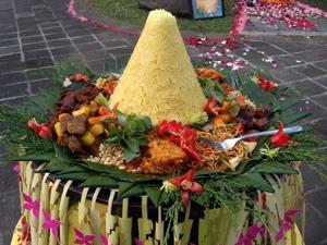 Tumpeng Yellow Rice