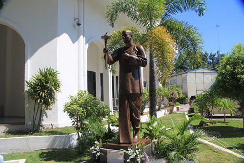 Statue of Sri Chinmoy inaugurated in the National Parliament of Timor-Leste